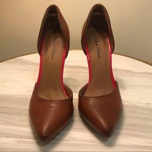 MICHAEL ANTONIO tan pump heel with hot pink detail